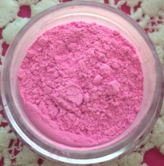 Rose pink petal dust food fondant color cake decorating for Food coloring roses