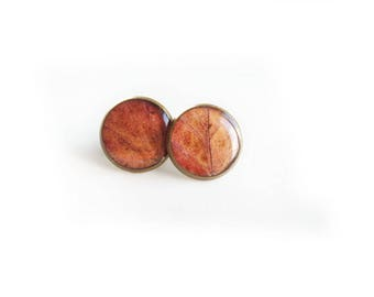 Resin stud earrings made with redleaves