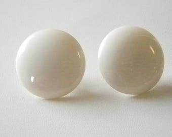 White Round Button Style Pierced Earrings