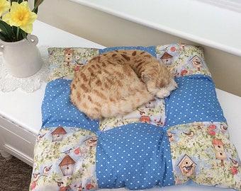 Square Cat cushion / square dog cushion / square cat pillow / blue cotton pet cushion / bird cushion / washable Pet bed / Scatter Cushion