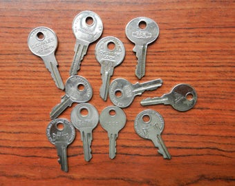Old Keys. Vintage Keys, Old Vintage Keys, Brass Keys, Steel Keys, Jewelry Supply, Steam Punk Material