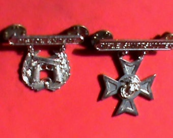 Authentic Vietnam War U S Marine issued Sterliing Pistol Expert medal and Rifle Sharp shooter medal