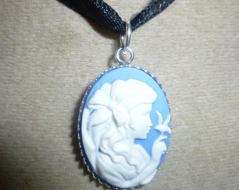 Cameo Silver 925 girl and the bird pendant