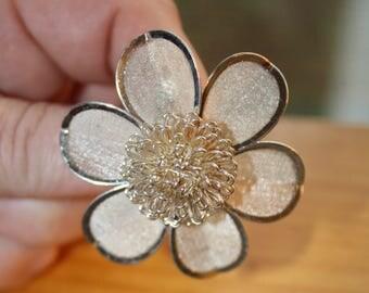 Vintage Flower Mesh Brooch