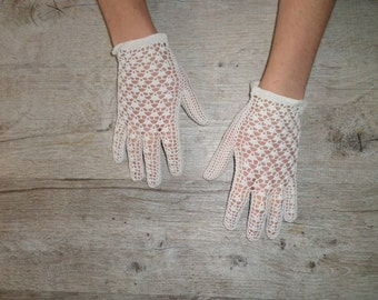 vintage ivory crochet gloves