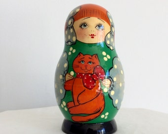 Vintage Nesting Dolls With Cats