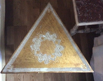 Vintage Italian Florentine Gilt Triangular Table With Lid Jewelry Box Game Box Hollywood Regency Gold and White
