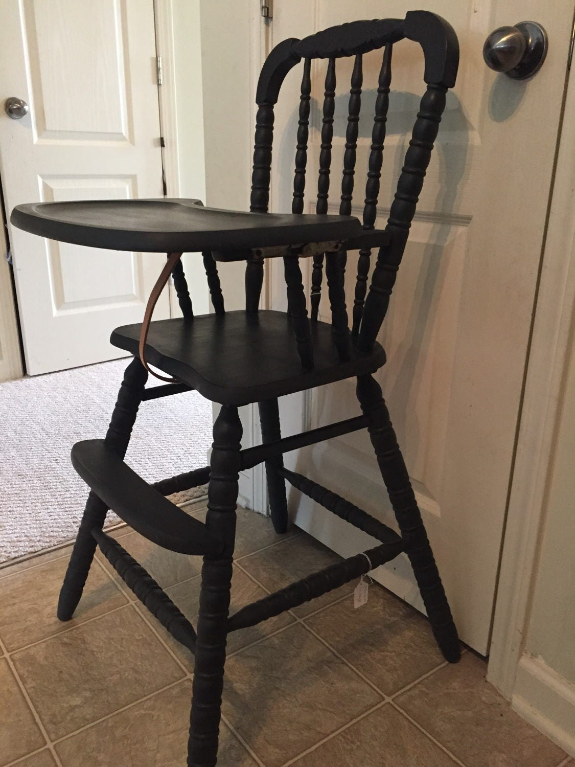 Vintage wooden high chair -  Zoom