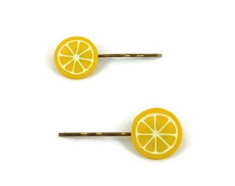 Set of 2 yellow lemon slices hair clips, gourmand fancy hair pins, plastic fruits hair clips (recycled CD), yellow and white hair pins