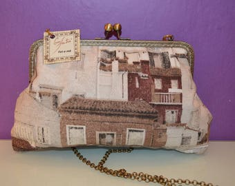 Printed cloth bag with kiss clasp