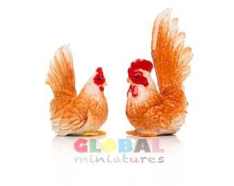 Dollhouse Miniatures Pair of Brown Chicken