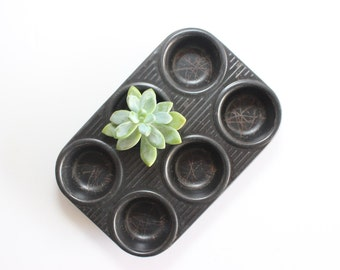 Vintage Muffin Pan, Cupcake Pan, Farmhouse Kitchen Decor