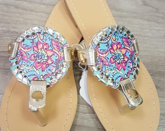 Lilly Inspired interchangeable flip flops with flower design disk