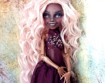Monster High Repaint, Custom Monster High Doll, OOAK Doll - Clawdia Wolf - Romantic Doll, Art Doll, Doll Faceup