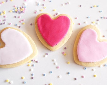 Heart Shaped Iced Shortbread Biscuits - Shortbread - Biscuits - Heart Biscuits