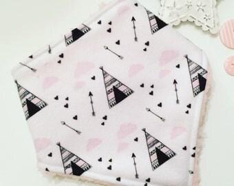 Bandana bib / bib / dribble bib / baby dribble bib / baby bandana bib / gifts for baby / new baby gift / baby shower / baby boy / baby girl