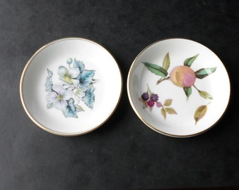 A Pair of Royal Worcester Pin Dishes
