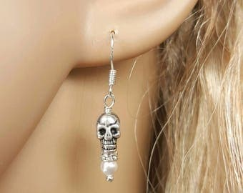 Pearl Skull Earrings, OOAK Bride, Halloween Wedding, Day of The Dead Jewelry, Dia De Los Muertos, Punk Goth Rockabilly, Pin Up Girl Earrings