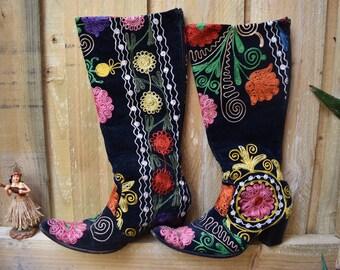 Vintage Turkish embroidered velvet boots