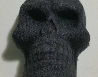 Skull bath bomb, extravagant and luxurious aromatherapy spa bath. Ultra moisturizer for your skin. Multiple esencial oils to choose.