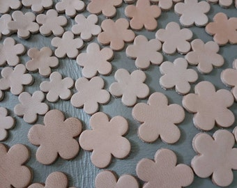 Leather Flowers, 50 Pcs, 4 Sizes 16 mm. 20 mm 25 mm., 30 mm. Natural, Vegetable Tanned Leather, Leather Flowers Die Cut, DIY Projects.