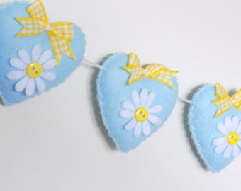 Heart  banner - daisy garland - bunting - floral hearts - adjustable garland - ready to post
