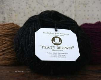 Hebridean pure wool DK knitting yarn: Peaty Brown - Mòine-dhonn