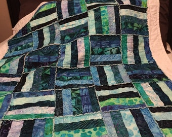 BLUE fence rail RAG QUILT, bed quilt, jelly roll quilt, baby quilt, crib quilt, adult blanket throw