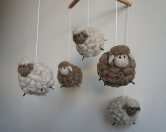 Mobile 5 sheep 100% sheep wool