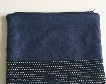 Navy large pouch