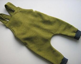 Baby bib & sweat Salopette carrier trousers drop crotch pants cozy pants Einzelstück