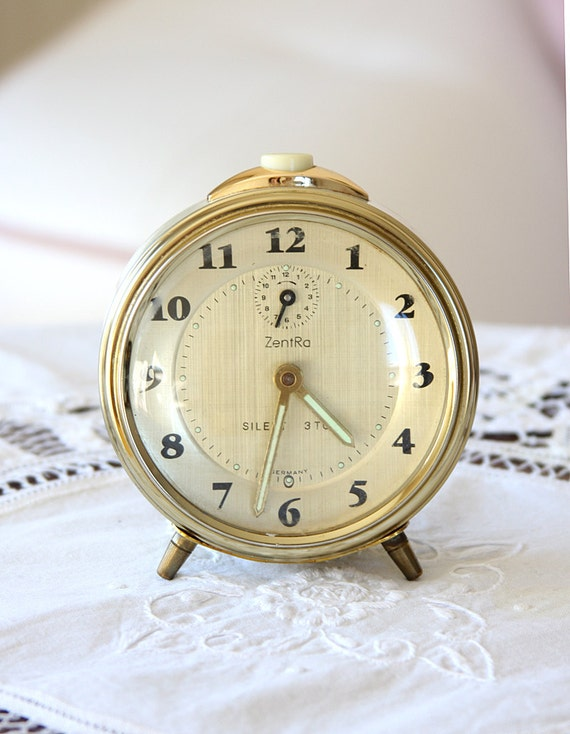Vintage alarm clock Zentra Silent 3Ton Gold tone 70's Retro table clock wind up desk clock collectible mechanical working Mid century modern