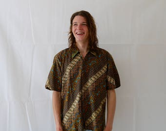 70s Style Psychedelic Patterned Button Up