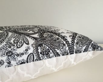 Pillow Cover Black & White Paisley