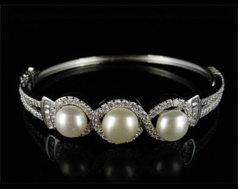 Pearl and Paste Stone Silver Bracelet
