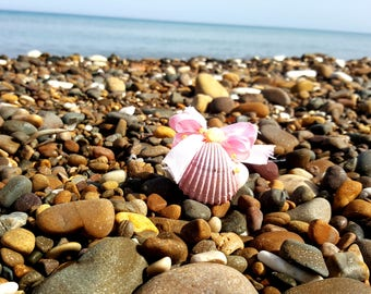 Seashell wedding favor pink and silver