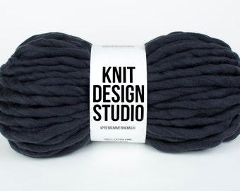 Super Bulky Yarn, Chunky Yarn, Super Thick Yarn, Blanket Yarn, Hand Spun Merino, Extreme Knitting, Giant Yarn, Big Yarn, color Graphite