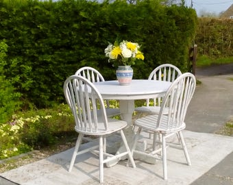 NOW SOLD***Pretty, Small, Round Dining Table and 4 Chair. Shabby Chic, Old White.