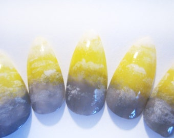Grey and Yellow Ombre Effect False Nails with Cloud Like Pattern, Ombre Nail Art, Set of 20 Fake Nails