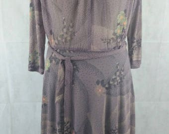 Vintage 1990s Lilac Opaque Crepe Long Sleeved Calf Length Floral Print Dress Size 10-12