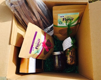 Gift Box with CABERNET FRANC Theme, Artisan Made Pastas, Wine Flour and Artisan Made Treats