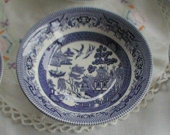 Set of Six Willow Pattern Blue and White Broadhurst Ironstone Pudding Bowls