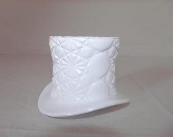 milk-glass-fenton-daisy-and-button-pattern-top-hat-candy-dish-trinket-dish