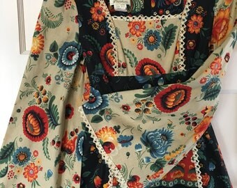 BEAUTIFUL Vintage Women's Empire Waist Maxi Dress w/ Crochet Detail PRICE LOWERED sz S