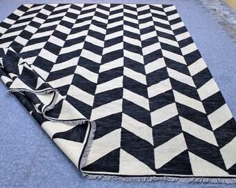 "10x 14 black and white kilim area rug, tepich black and white, cheap black and white dhurrie rug,  large kilim rug. Size: 10'2"" x 13'8"""