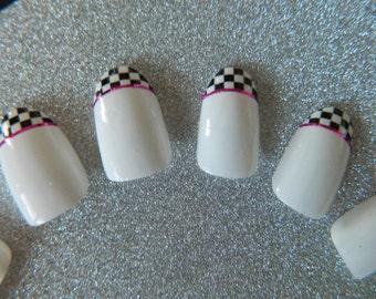 Black and White Check false Nails.