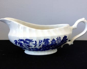 Royal Wessex Blue Willow Gravy Boat (England)