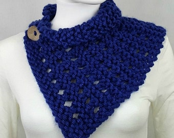 Winter Cape for Her, Button Knit Scarf, Knit Neck Capelet, Winter Capelet, Knit Capelet Scarf, Knit Cape Scarf, Womens Knit Cape