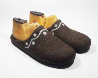 Men felt wool Slippers Handmade home felt shoes Brown warm slippers House Men felted wool slippers - felt Brown slippers - House men shoes