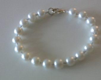 Light silver glass beads bracelet.